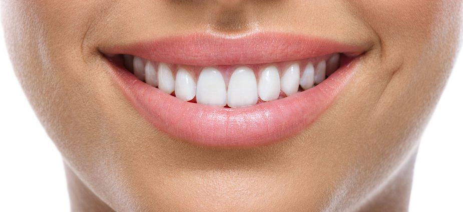 Περιοδοντίτιδα: Πώς δε θα χάσετε τα δόντια σας